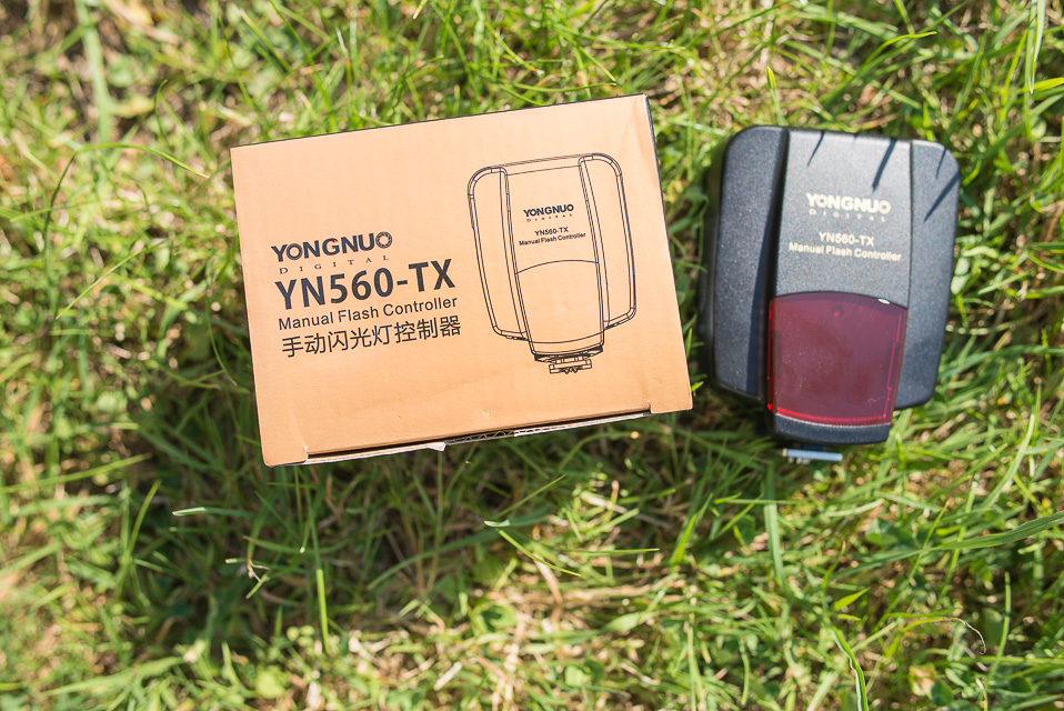 yongnuo-yn-560-tx-review-unit-closeup