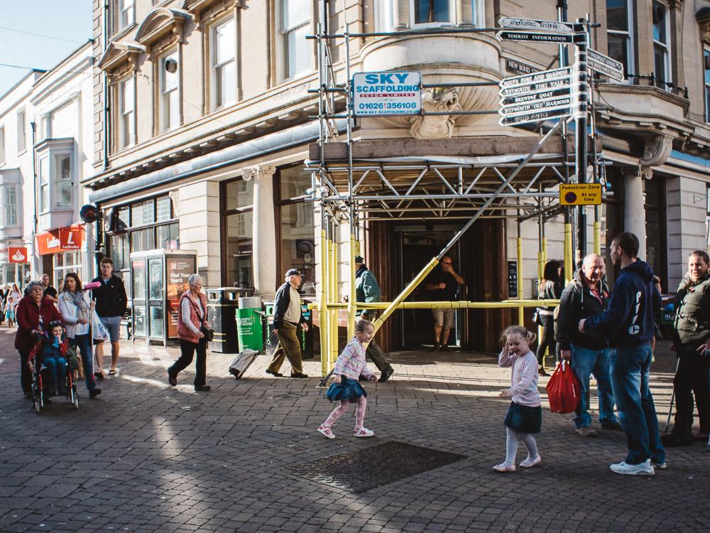 WEYMOUTH-PHOTOGRAPHER-STREET-SHOOTING-8